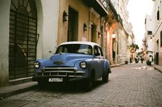 Film photography is seeing a resurgence, and we couldn't be happier to see people still using their Canon film cameras. Photographer Stephen Atohi set out to capture the beauty and culture of Havana, Cuba on 35mm film. Using a Canon AE-1, he captured some spectacular photos. #genexgear #androidcases #iphonecases #iphone7cases