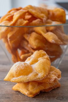 Provençal style atria - Les Délices De Marina - The headset is a variety of donut, thin and crisp, cut in length. The headset is a dessert of Langu - Sweets Recipes, Snack Recipes, Snacks, Churros, Desserts With Biscuits, Carnival Food, Different Recipes, Cookies, Diy Food
