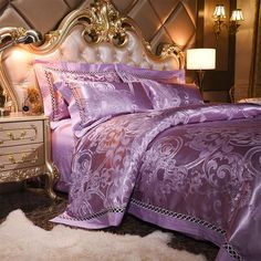 VENEZIA COLLECTION - Bonus Duvet Insert Included with all Over-Sized Bedding This beautiful Brocade Luxury Duvet set is the ultimate in opulence and elegance. The latticed satin trim and Jacquard woven set is modern yet classical and is reminiscent of Italy's most romantic city Venice. Our Jacquard fabric is 100% cotto
