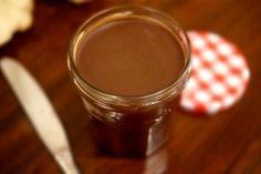 Recette de nutella au Thermomix TM31 ou TM5. Préparez ce dessert en mode étape par étape comme sur votre appareil !