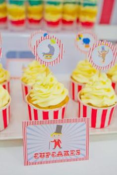 """Circus Themed Party: """"Popcorn"""" Cupcakes"""