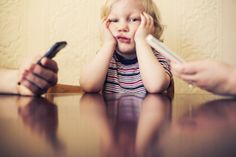 Parents often complain that smartphones keep their kids distracted from conversation. What happens when it's the other way around, when kids can't get their smartphone-glued parents' attention? Child Behavior Problems, Kids Behavior, Child Behaviour, Put The Phone Down, Business For Kids, Child Development, Parenting Advice, Mindful Parenting, Gentle Parenting