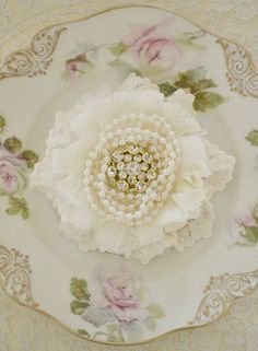 Ivory and Pale Yellow Lace Gillyflower - Handmade lace brooch by Jennelise Rose