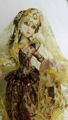 Art doll Sari gelin, Azerbaijan