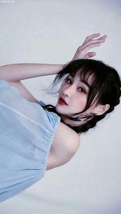 Girl Pictures, Girl Pics, Beautiful Girl Drawing, Korea Fashion, Chinese Actress, Asian Girl, Wei Wei, Korea Style, Actresses