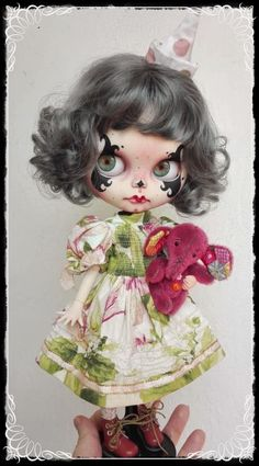 Claudelle, Vintage Clown custom Blythe doll by Antique Shop Dolls Doll Head, Doll Face, Clay Dolls, Art Dolls, Doll Drawing, Vintage Clown, Bjd, Sugar Skull Art, Gothic Dolls