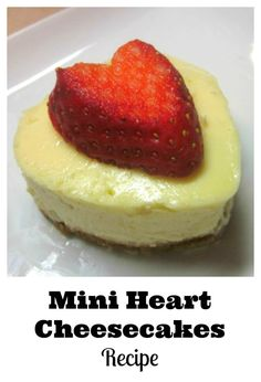 Mini heart cheesecakes recipe perfect for Valentine's Day desserts or gifts. Great Desserts, Party Desserts, Delicious Desserts, Dessert Recipes, Cupcake Recipes, Dessert Ideas, Mocha Cheesecake, Low Carb Cheesecake, Hot Chocolate Fudge