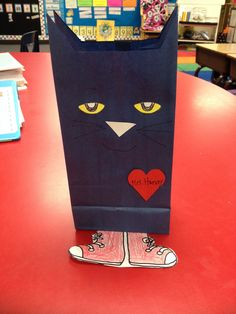 Pete the cat valentine bag (blue bags from Target) My Funny Valentine, Valentine Theme, Cat Valentine, Pete The Cat Art, Friendship Crafts, Valentine Activities, Kindergarten Fun, Cat Birthday, Cat Party