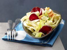 Nudelnester - mit Rote-Bete-Möhren-Gemüse - smarter - Kalorien: 509 Kcal - Zeit: 15 Min. | eatsmarter.de