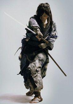 z- Haruka Ayase (born-Aya Tademaru)- Blind Onna-Bugeisha (Woman Samurai)- 'Ichi', 2008 Samurai Poses, Ronin Samurai, Female Samurai, Samurai Art, Samurai Warrior, Warrior Princess, Warrior Girl, Warrior Pose, Aikido