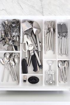 Homevialaura | white kitchen | our collection of tableware | Iittala Artik | Fiskars | Stockmann Casa