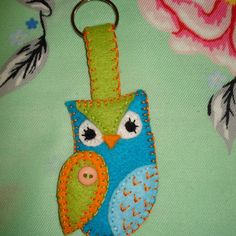 This felt Owl has been handmade by myself at home using a mixture of different felts, embroidery threads and mini buttons. Owl measures approx high by wide. This owl design is also available as a brooch, fridge magnet, hanging decoration or th. Sewing Ideas, Sewing Projects, Craft Projects, Craft Ideas, Hand Crafts, Owl Crafts, Wonder Zoo, Felt Keyring, Owl Sewing