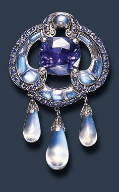 ©️ Christies Sale Lot 203 A Rare Sapphire And Moonstone Brooch, By Louis Comfort Tiffany Moonstone Jewelry, Gems Jewelry, Jewelry Art, Fine Jewelry, Jewelry Design, Jewelry Making, Edwardian Jewelry, Antique Jewelry, Vintage Jewelry