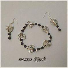 Un conjunto de #pulsera y #pendientes diferente 😊😉 #pulseradeabalorios #bisutería #bisuteríapersonalizada #acero #artesano #artesanía #artesanal #hechoconamor #love #regalazo #regaloespecial #regalopersonalizado