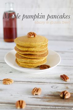 Dairy and gluten free maple pumpkin pancakes that are healthy and delicious. They're quick and easy to make, perfect for breakfast. Gluten Free Diet Plan, Gluten Free Recipes, Meat Recipes, Yummy Recipes, Recipies, Dinner Recipes, Gluten Free Pumpkin Pancakes, Yogi Food, Honey Pork Chops