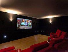 La casa de Cristiano Ronaldo en Manchester . Sala de Cine.