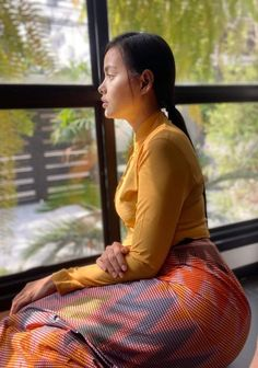 Burmese Girls, Myanmar Women, Asian Model Girl, Celebrity Portraits, Curvy Girl Fashion, Cute Asian Girls, Beautiful Asian Women, Sexy Curves, Asian Woman