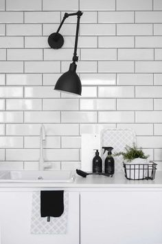 Awe-Inspiring Wall Lamp Design Ideas for Your Room Remodel Monochrome Interior, Interior Desing, Home Interior, Kitchen Interior, Interior Styling, Interior Inspiration, Modern Interior, Kitchen Dinning, New Kitchen