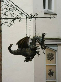 Dragon Shop sign - Puppet museum in Lubeck, Germany Fantasy Dragon, Dragon Art, Fantasy Art, Dragon Puppet, Magical Creatures, Fantasy Creatures, Dragon Oriental, Dragons, Deco Originale