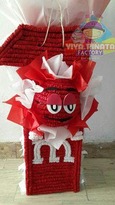 Pedido especial de piñata de numero con tema m&m rojo... Que esperan para hacer su pedido. #LasUnicasPiñatasQueNoQuerrasRomper