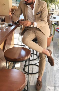 Mens Fashion Smart – The World of Mens Fashion Mens Casual Suits, Stylish Mens Outfits, Mens Fashion Suits, Mens Suits, Tan Suit Men, Tan Suit Groom, Mens Brown Suit, Casual Grooms, Terno Slim Fit