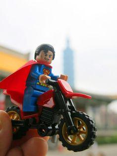 #Traveler #Viaggiare #Voyager #Reisen #Superman #DCComics #Dirtbike #Taipei #Taipei101 #Taiwan