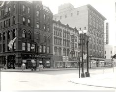 200 block of South Salina Street. This shows Howe's Jewelers, Chappels and Lincolns. Such happy memories here.  B.