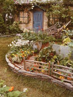 Cottage Garden Design, Vegetable Garden Design, Vegetable Gardening, Container Gardening, Gardening Tips, Cottage In The Woods, Cottage Style, Farm Cottage, Cottage House