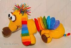 2000 Free Amigurumi Patterns: Rainbow dachshund crochet pattern