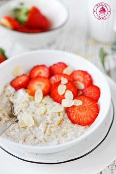 Coconut milk breakfast porridge - owsianka na mleku kokosowym Breakfast Porridge, Coconut Milk, Oatmeal, Shake, Gluten Free, Vegan, Food, Pictures, The Oatmeal