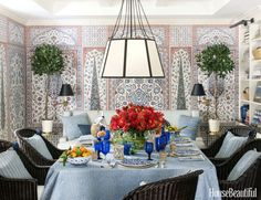 How to Create a Classic Blue-and-White Tablescape