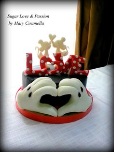 Minnie e Mickey love cake- San Valentine Disney. My wedding cake? Pastel Mickey, Mickey And Minnie Cake, Bolo Mickey, Mickey Love, Minnie Mouse Cake, Mickey Cakes, Fancy Cakes, Cute Cakes, Beautiful Cakes