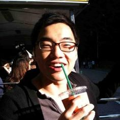 Joe Lee (Seonggwan Lee) Growth Hacking, Hacks, Glass, Drinkware, Glitch, Cute Ideas, Glas, Mirrors