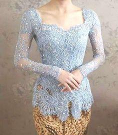 27 Ideas for dress brokat modern indonesia indones Kebaya Bali, Vera Kebaya, Indonesian Kebaya, Batik Kebaya, Batik Dress, Dress Brokat Modern, Kebaya Modern Dress, Kebaya Dress, Kebaya Simple