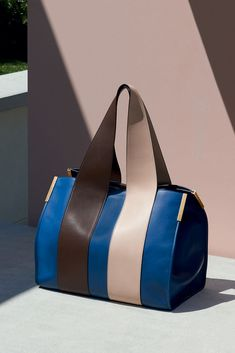 "The Chloé Spring 2015 Accessories Collection – ""Beach bag"" in smooth calfskin & lambskin"