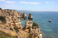A Ponta da Piedade em Lagos foi distinguida pelo Huffington post como a praia mais bonita do mundo. Ponto obrigatório para quem está no Algarve.
