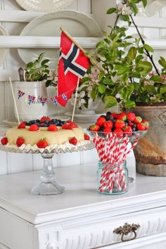 You can`t use up CREATIVITY. Public Holidays, Holidays And Events, 70th Birthday, Happy Birthday, Birthday Decorations, Table Decorations, Holiday Decorations, Norwegian Food, Norwegian Recipes