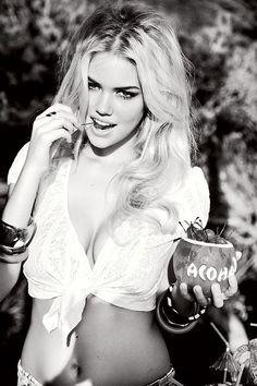OO Choose Size /& Media Type Canvas or Poster Print KATE UPTON PRINT
