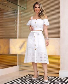 Image may contain: 1 person, standing Skirt Outfits, Chic Outfits, Dress Skirt, Casual Chic, Hijab Fashion, Fashion Dresses, Hijab Stile, Cute Dresses, Summer Dresses
