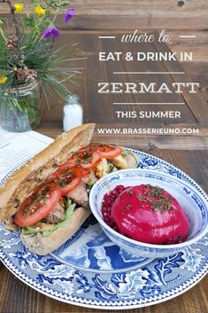 Where to go for lunch in Zermatt this summer: Brasserie Uno! It has vegan and veggie options, some gluten free options, coffee, a great tea menu and delicious lunch and dinner using fresh seasonal produce. Here, a warm beef sandwich from the lunch menu Lunch Menu, Dinner Menu, Vegetarian Options, Vegetarian Recipes, Lunches And Dinners, Meals, Dinner Reservations, House Salad, Beef Sandwich
