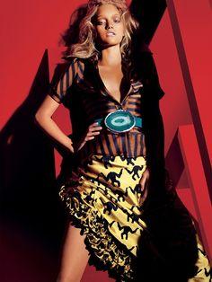 #VOGUE UK : GEMMA WARD  Photographer : Mario Testino  #fashion