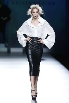 Elegancia y color en las siluetas de Ulises Mérida en su propuesta para el próximo del Otoño-Invierno 2015-16. Pasarela Mercedes-Benz Fashion Week Madrid.