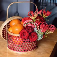 Chinese New Year Flower, Chinese New Year Gifts, Chinese Theme, Chinese New Year Decorations, Chinese Holidays, New Years Decorations, Fruit Hampers, Food Hampers, Fruit Packaging