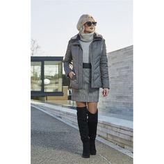 Μπουφάν με γουνινο γιακά. Faux Fur, Raincoat, Blazer, Jackets, Shopping, Fashion, Rain Jacket, Down Jackets, Moda