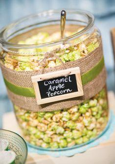 Caramel Apple Popcorn for dessert/candy table Flavored Popcorn, Popcorn Bar, Popcorn Recipes, Sweet Popcorn, Dessert Buffet, Dessert Bars, Dessert Tables, Candy Table, Candy Buffet