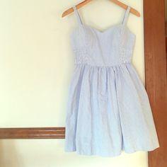 Flash sale! Seersucker Lilly Pulitzer dress! Seersucker Lilly Pulitzer Dress- like new condition! Lilly Pulitzer Dresses