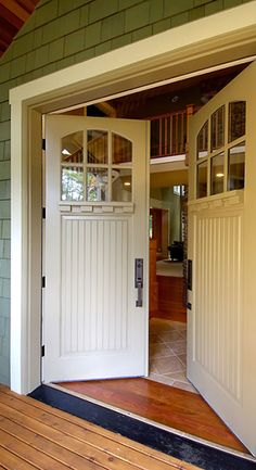 Bungalow 7218 (with 9541 dentil shelf) - View Door Detail - Print/Share