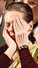 timesworld24.com|last updated news::ক্ষমতা আসলে বিষ, তাই ছেলেকে নিয়ে কাঁদলেন সোনিয়া
