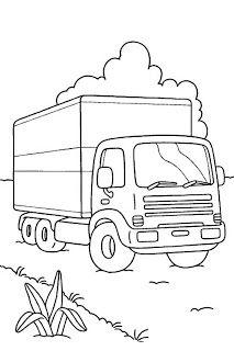 Un camion sur une route de campagne.
