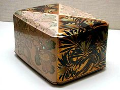 松田権六 有職文蒔絵螺鈿飾箱 1960年 東京国立近代美術館工芸館蔵 Matsuda Gonroku Box